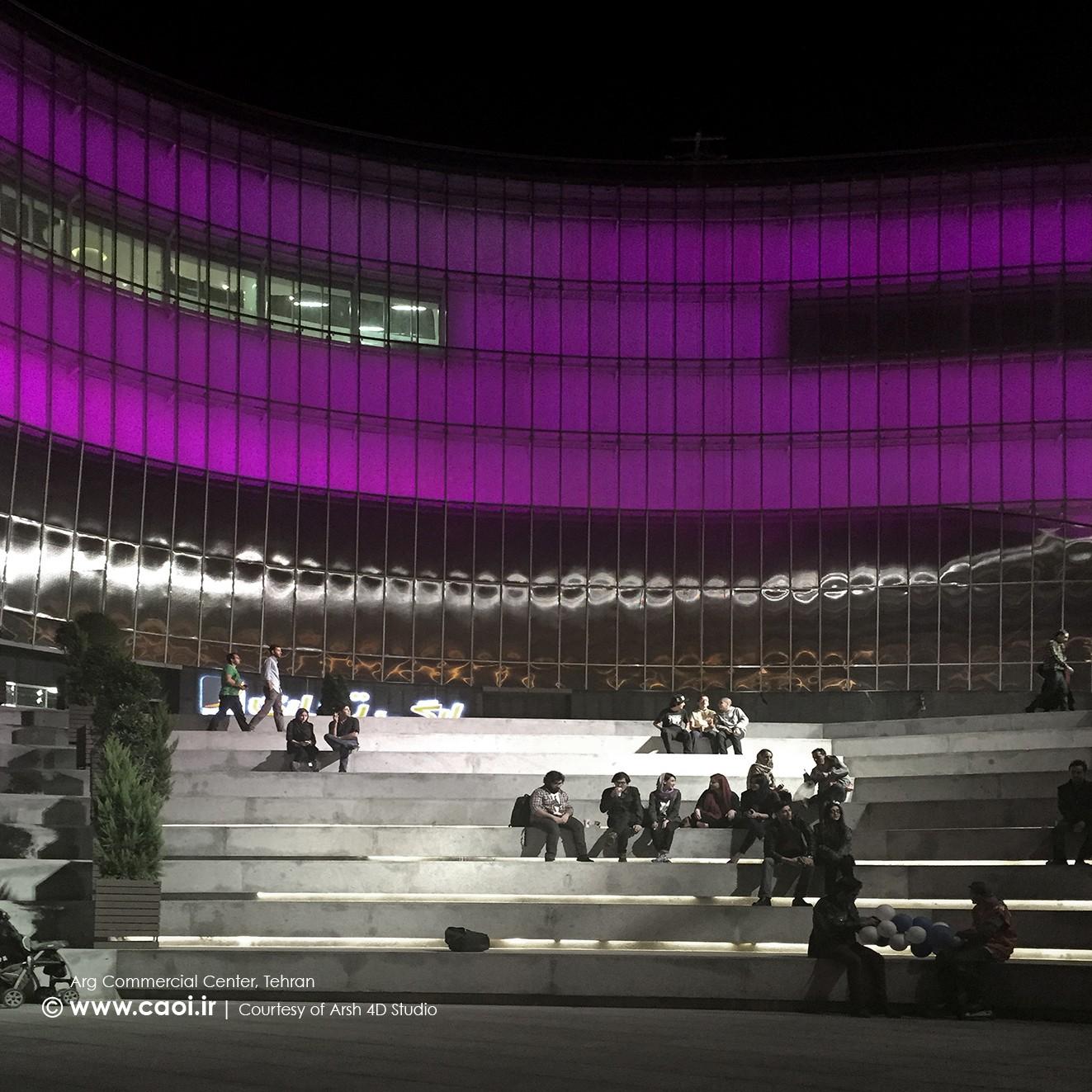 نورپردازی مجتمع تجاری ارگ در شب