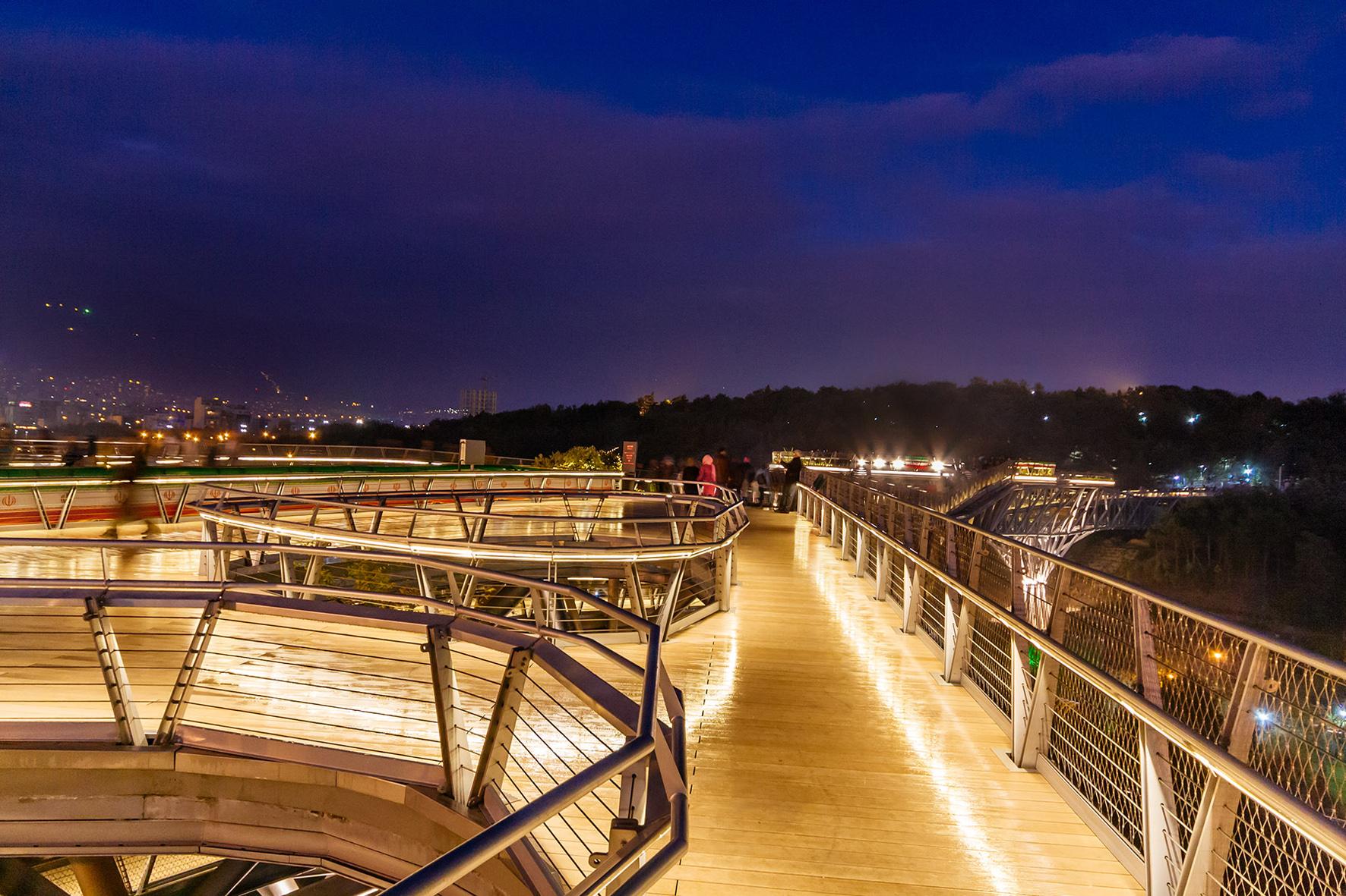 نورپردازی پل طبیعت,پل طبیعت در شب