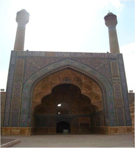 ایوان جنوبی مسجد جامع اصفهان نمونه کامل اجرای پتکانه