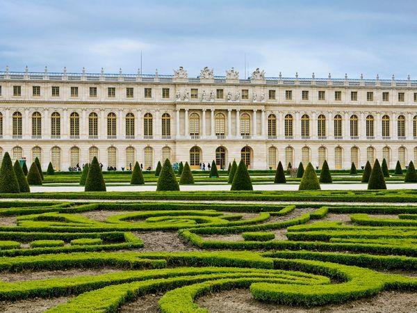 باغچه ا ی در باغ ورسای نمونه ای از پارتر,باغ,باغ فرانسوی,تصویر باغ,باغ سازی