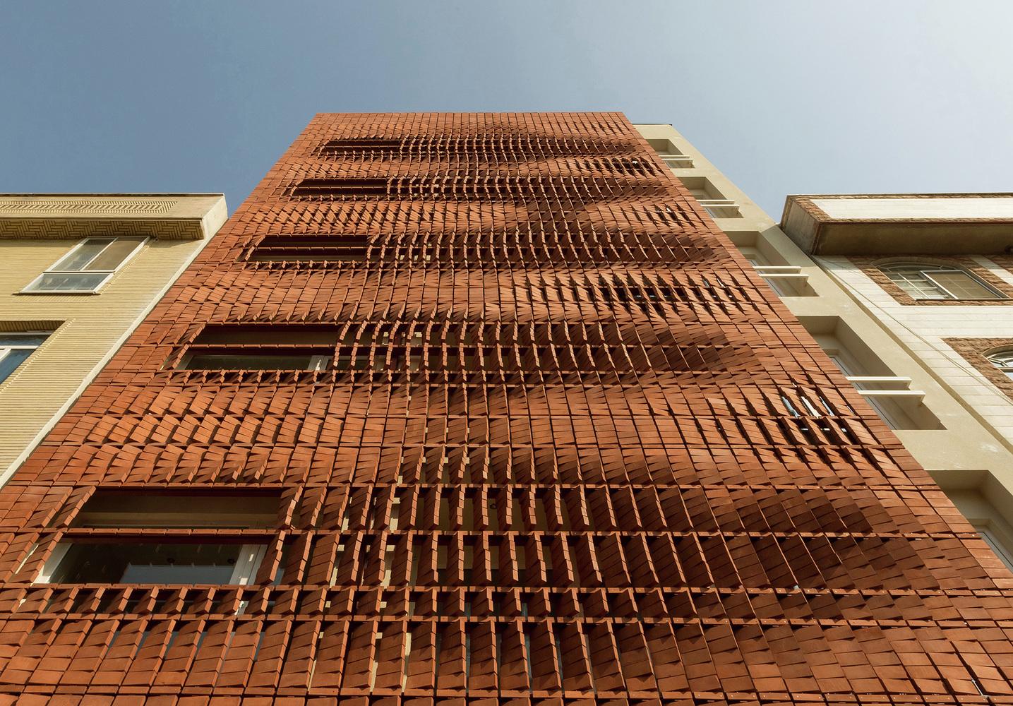 معماری ساختمان مسکونی آجرپوش شهرک اکباتان
