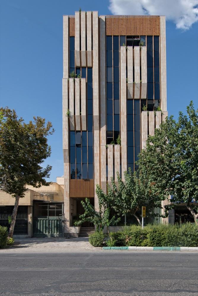 معماری ساختمان اداری در اصفهان,معماری,طراحی ساختمان اداری,طراحی نمای ساختمان اداری,نقشه ساختمان اداری,parsacad,parsacad.com
