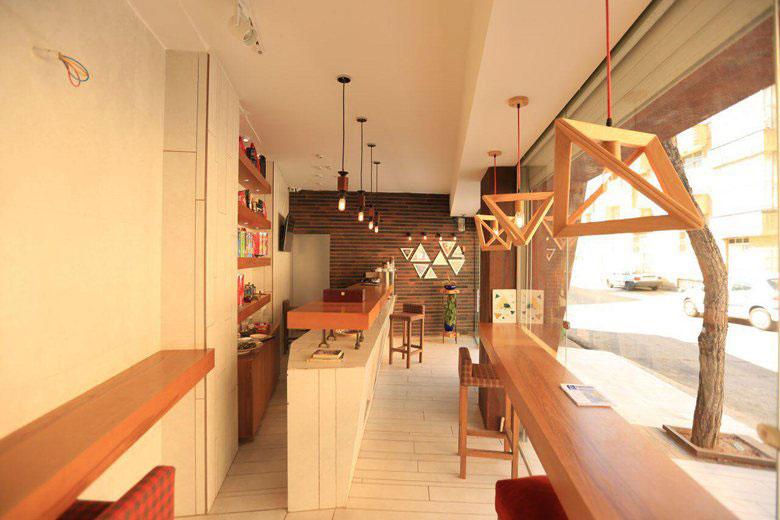 معماری و طراحی داخلی کافه مثلث در شیراز