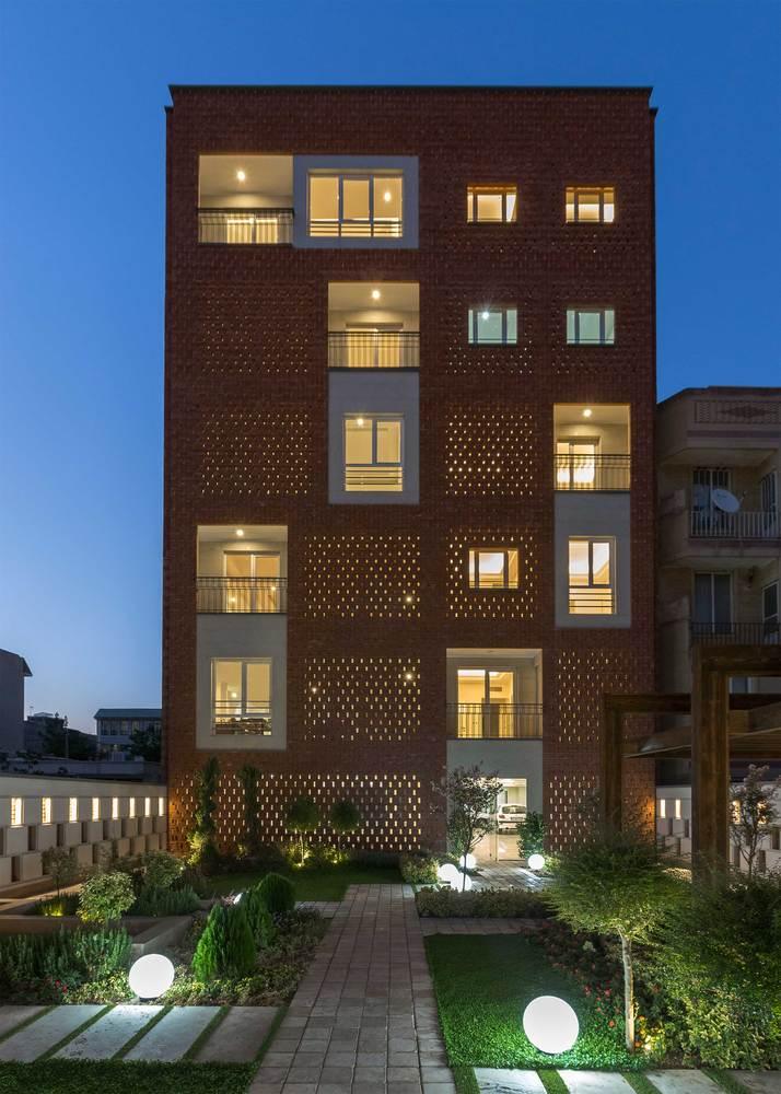 معماری,ساختمان مسکونی بالکانه,آپارتمان مسکونی بالکانه فردیس کرج,طراحی,طراحی نما,نقشه ساختمان مسکونی,پلان ساختمان مسکونی