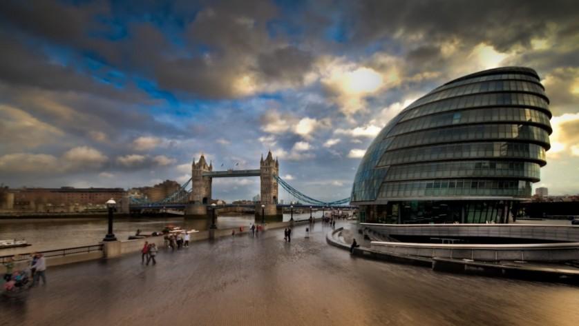 مقاله تحلیل و بررسی بنای تالار شهر لندن,پاورپوینت بررسی بنای تالار شهر لندن