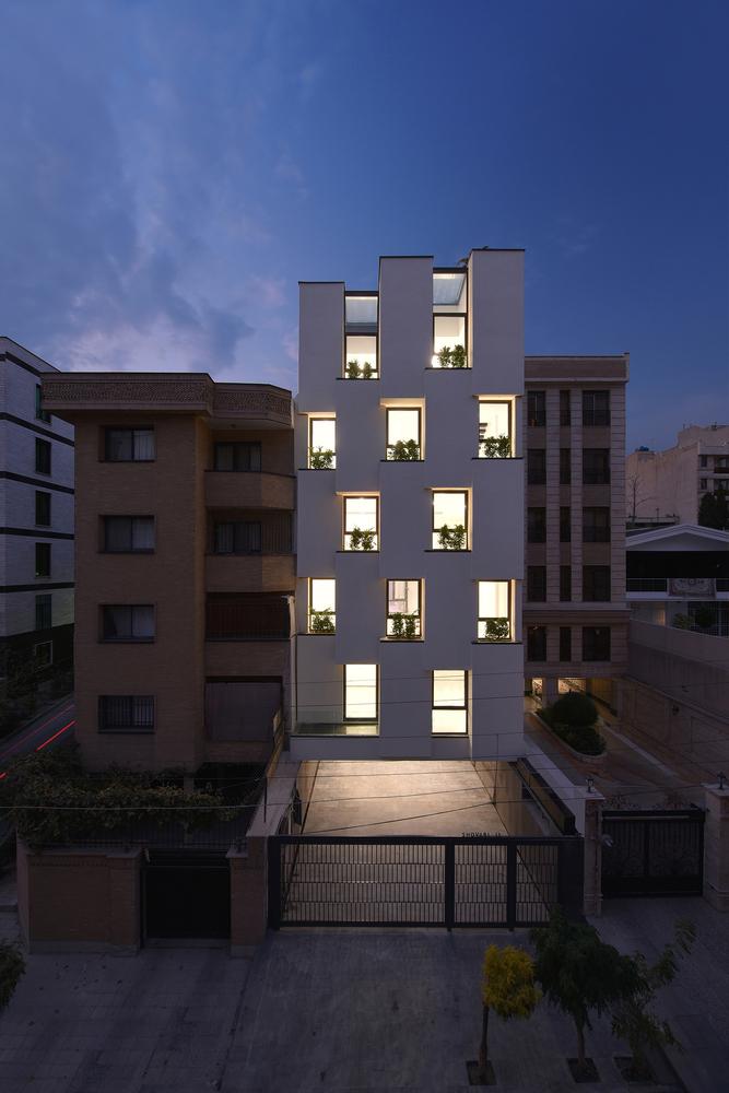 معماری ساختمان اداری کارخانه تهران,نقشه ساختمان اداری,پلان ساختمان اداری